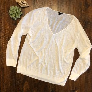THEORY | Lightweight White V-neck Sweater